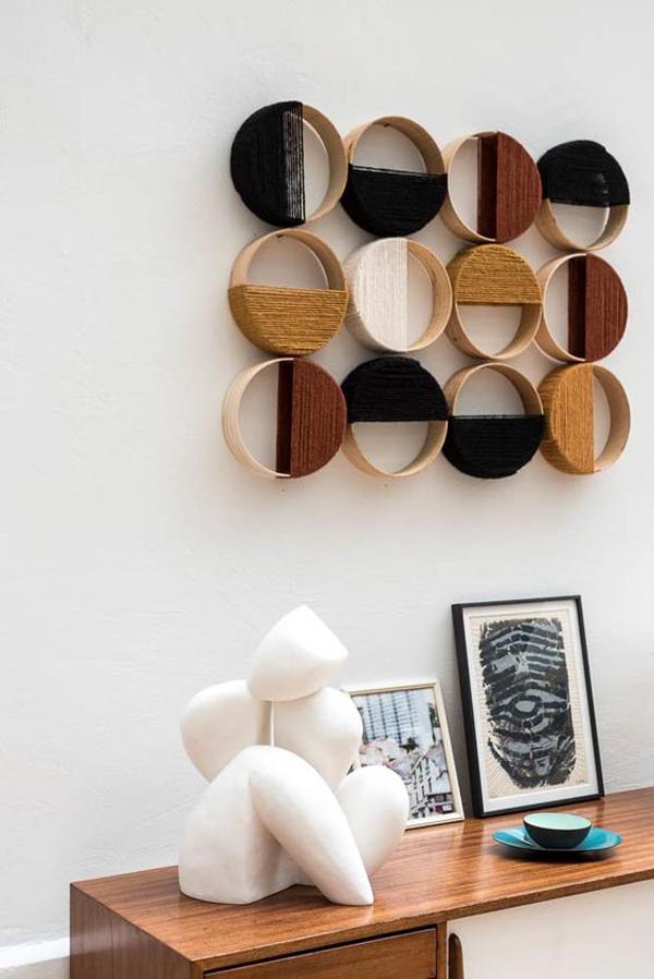 Ball-of-yarn-wall