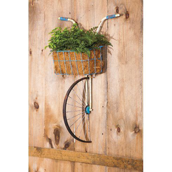 Bicycle-plant-decoration-on-the-wall