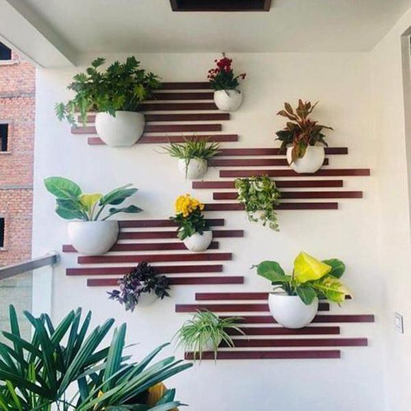 Cute-vertical-garden-wall