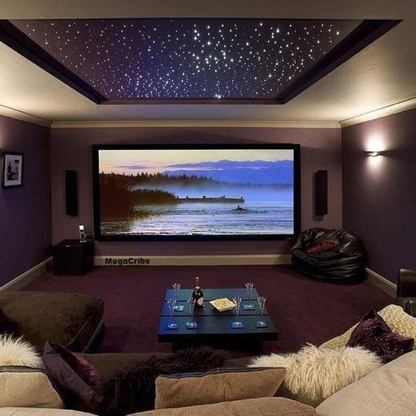 Home-theater-eith-star-decoration-on-the-ceiling-house