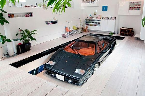 Indoor-garage