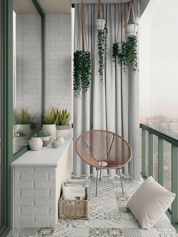 Luxury-balcony-with-plants