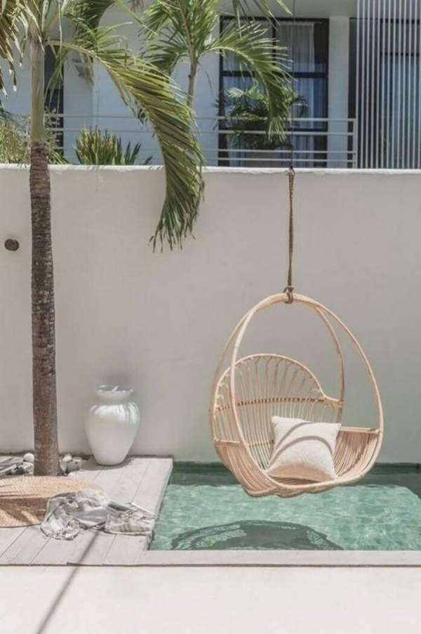 Pool-with-cradle