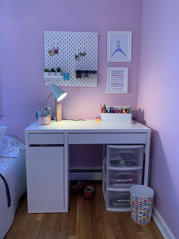 Simple-andcozy-desk