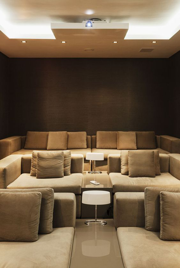The-big-sofa-on-the-home-theater