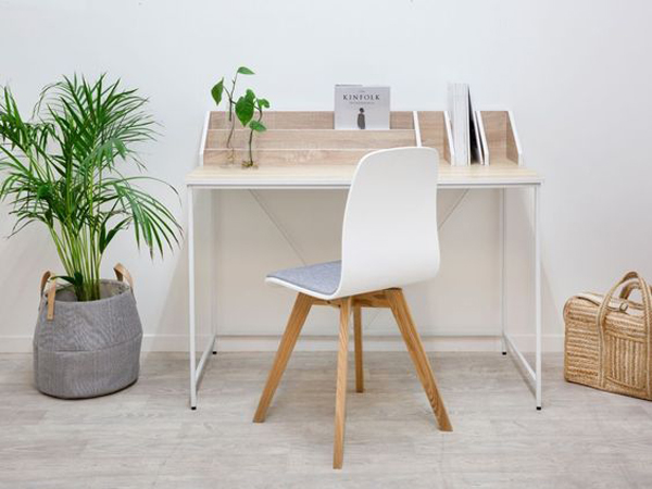 Very-simple-study-desk-with-adding-plants