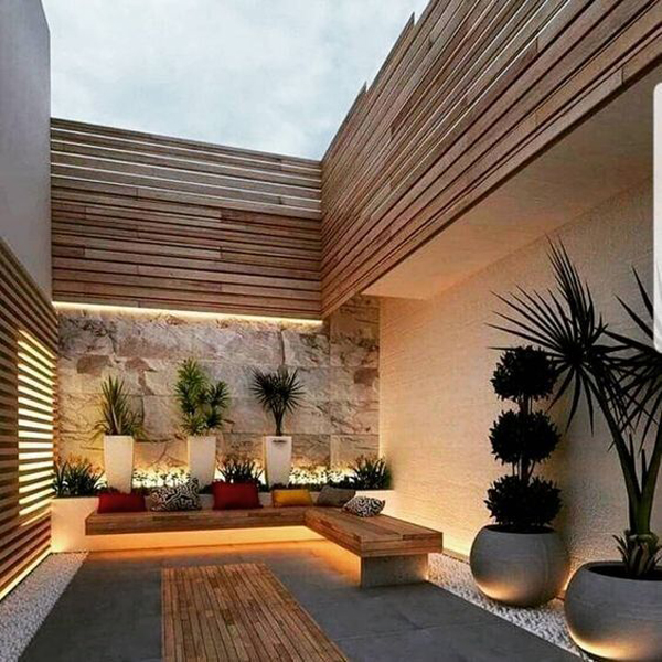 Wooden-and-ceramic-combination-placed-in-the-middle-house
