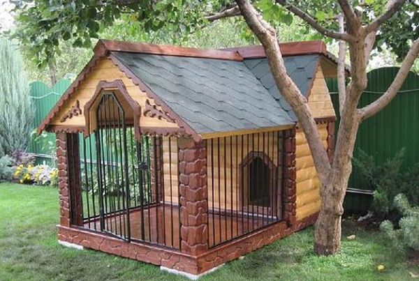 the-kennel-with-the-iron-fence