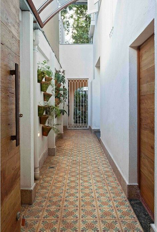 hallway-as=access-in-and-out-of-the-front-door