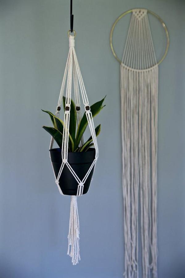 mini-macrame-hanging-plants