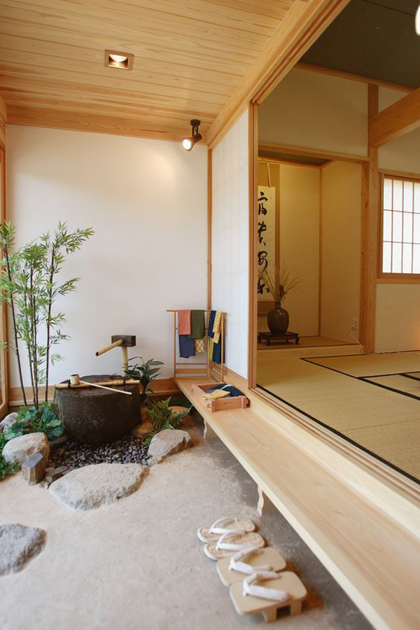 outdoor-mini-bathroom-by-Japanese-y=traditional-culture