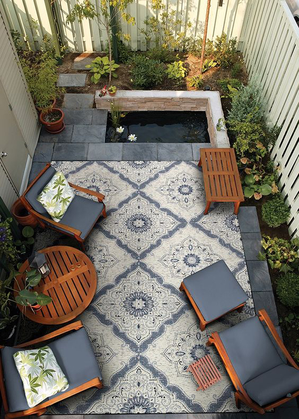 small-living-space-on-the-backyard