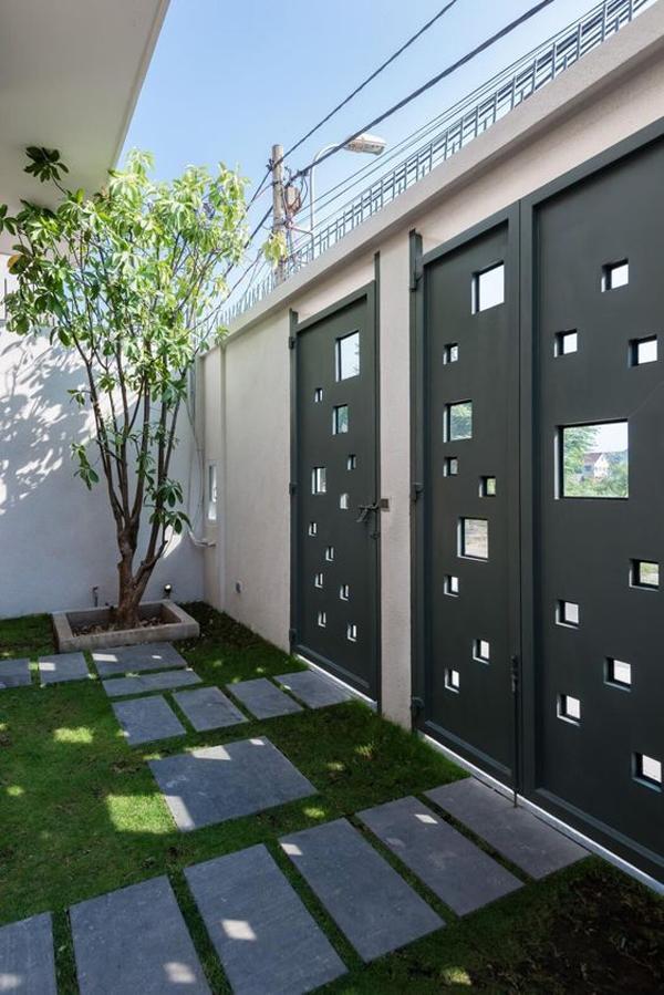 Square-motif-fence
