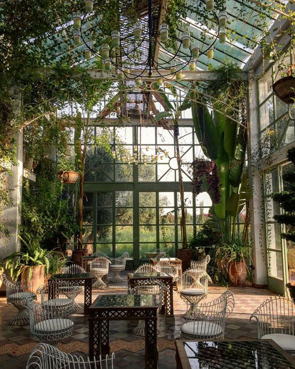 Sunroom-surrounded-by-plants