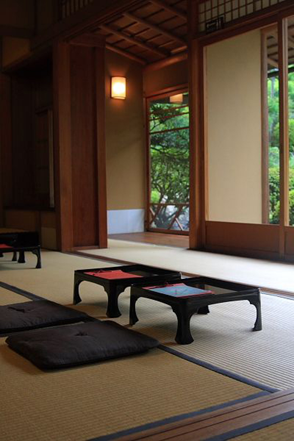 Traditional-Japanese-living-room