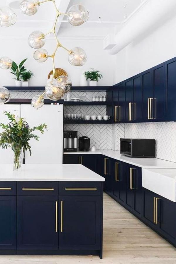 beautiful-kitchen-using-blue-velvet-decoration