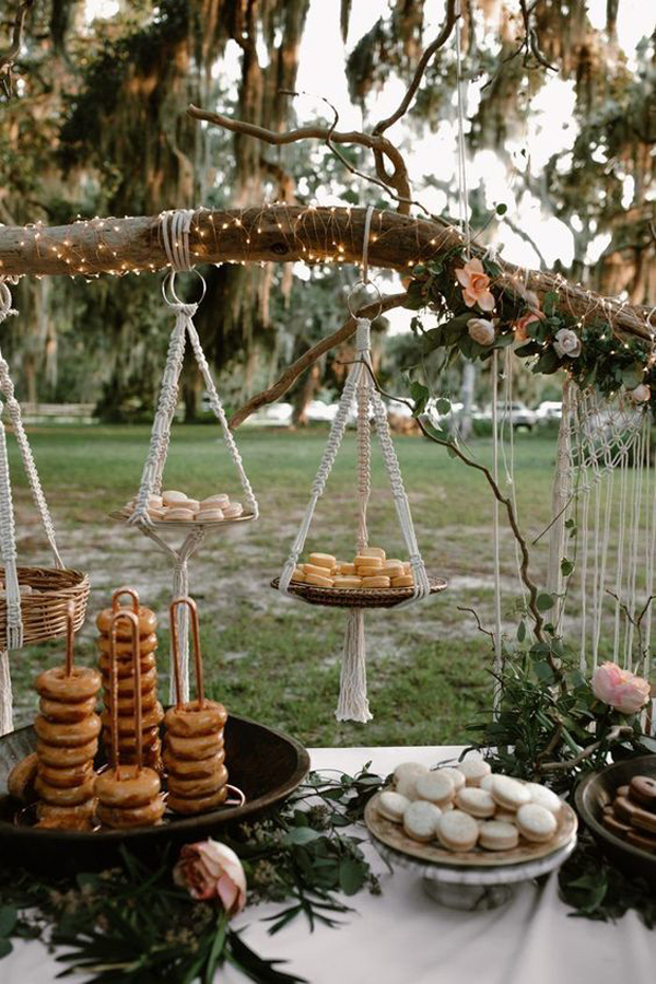 food-hangging-place-at-wedding-ceremony