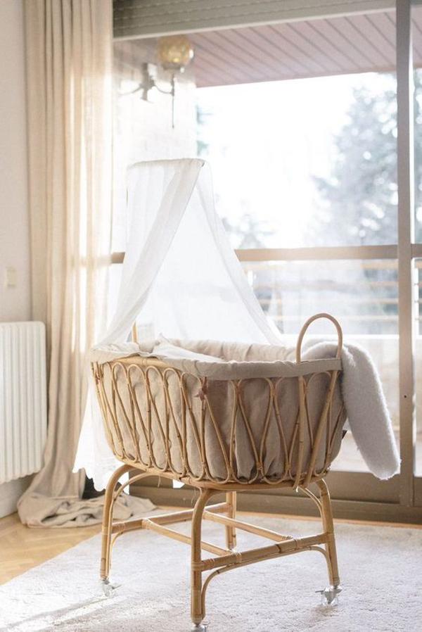 luxury-baby-rattan-cradle-mobile