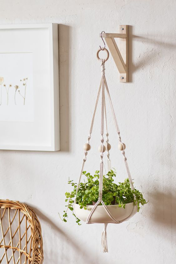 macrame-hanging-plants