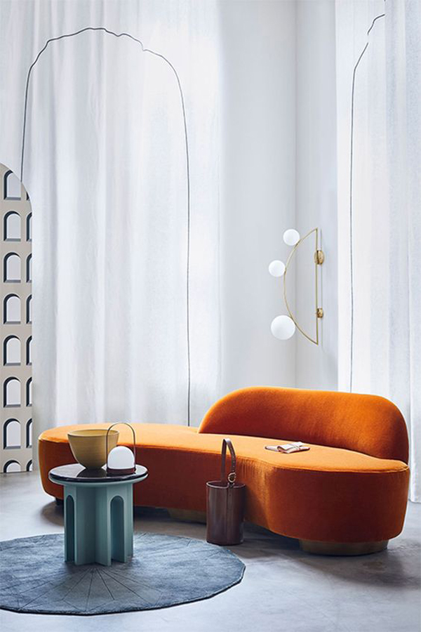 styling-curved-sofa