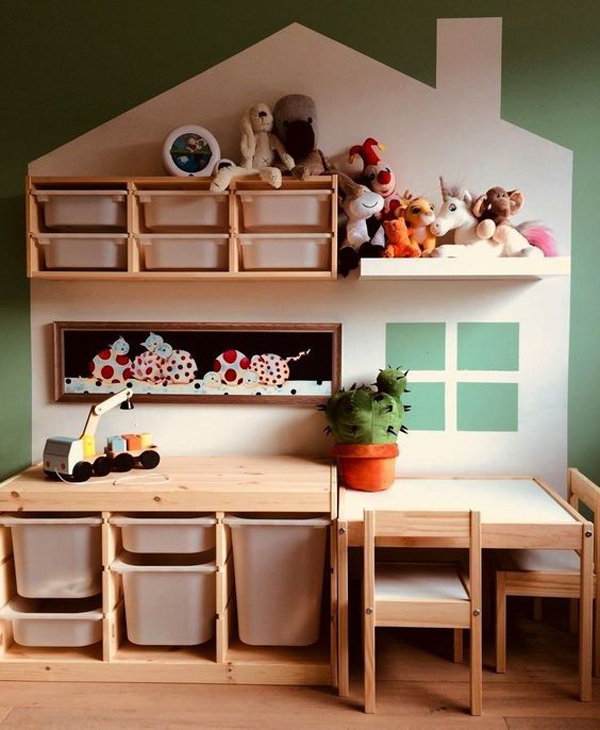 toy-storage-on-the-wall