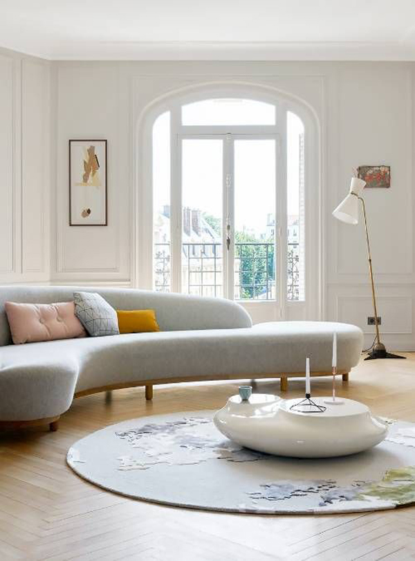 white-curved-sofa