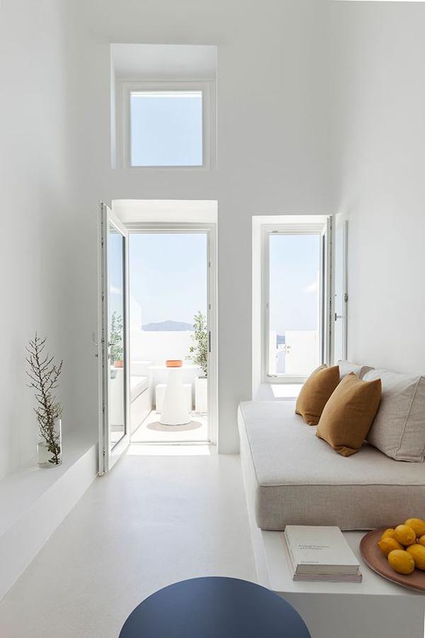 white-home-of-living-room