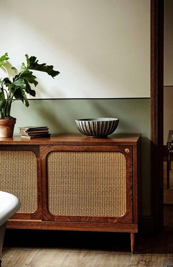 European-vintage-table