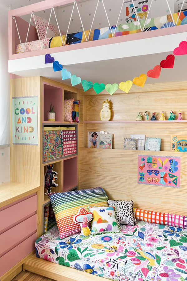Kids-room-and-colorful-bunk-beds-design