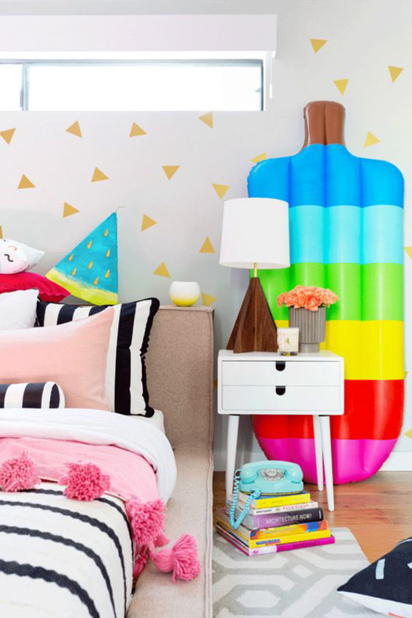 Kids-room-with-a-summery-feel