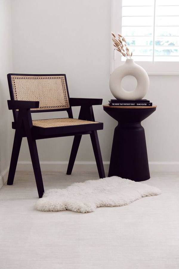 Monochrome-chair-in-the-bedroom