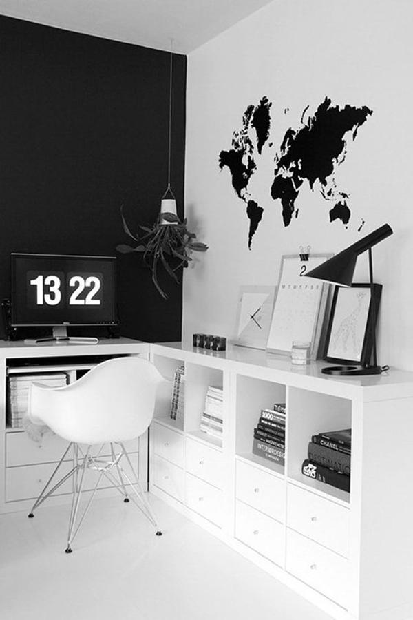 Monochrome-work-place