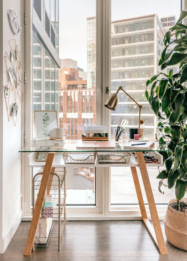 beautiful-glass-desk-design