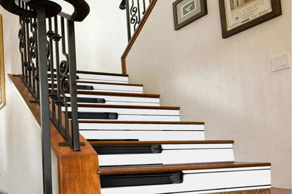 piano-wooden-stairs