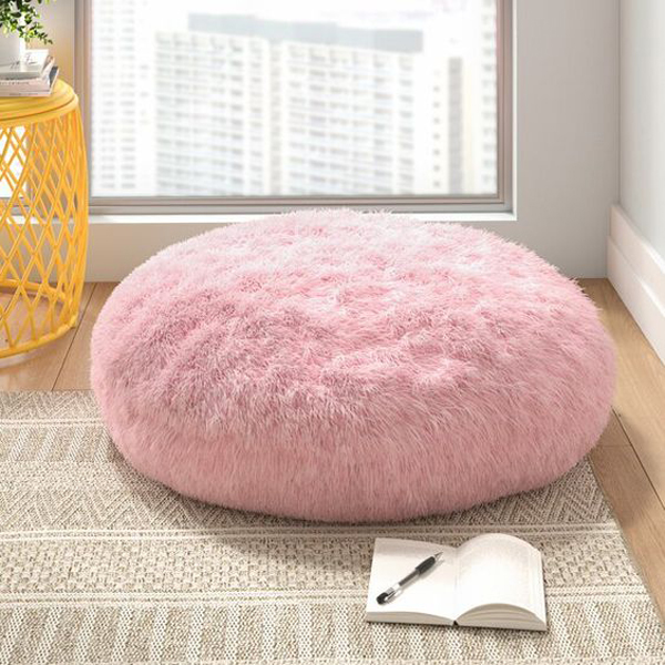 pink-theme-for-floor-pillow