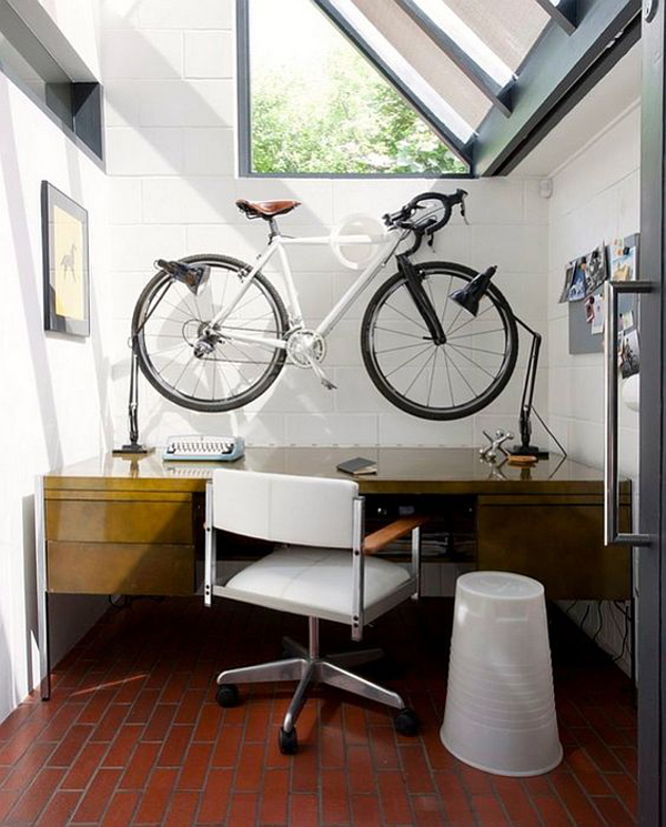 place-the-bike-on-the-desk