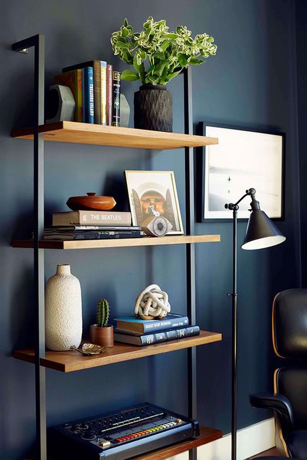 vertical-living-room-shelf
