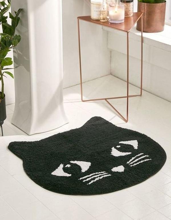 A-black-cat-mat