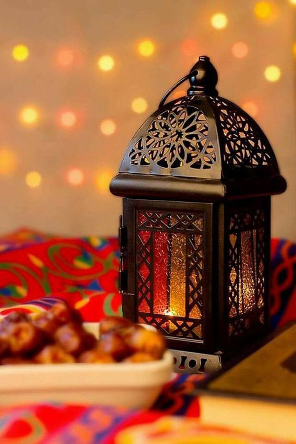 Black-Ramadan-lampion
