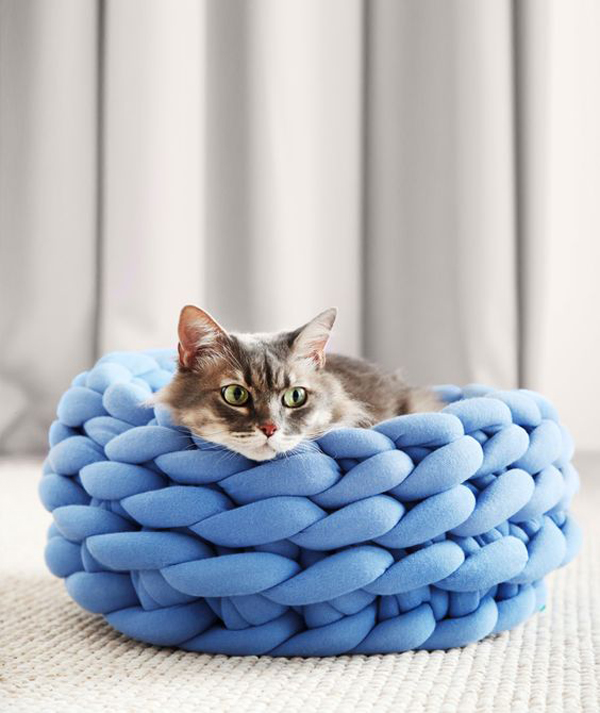 Blue-cat-basket-handmade