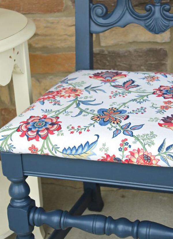 Bonjour-blue-chair