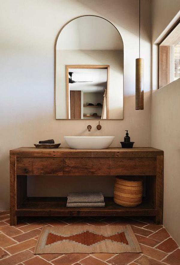 Brown-mat-in-the-framehouse-bathroom