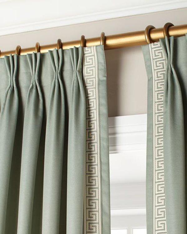 Crystal-palace-curtain-rod