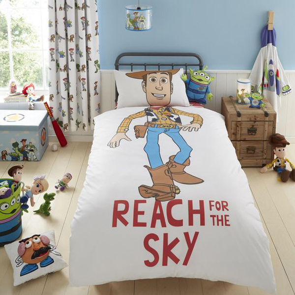 Duvet-cover-and-pillowcase-using-disney-character