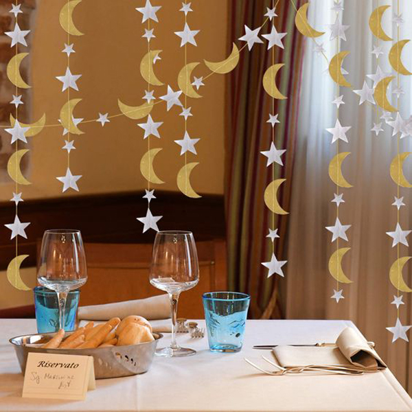 Gold-silver-star-moon-for-Ramadan-moment