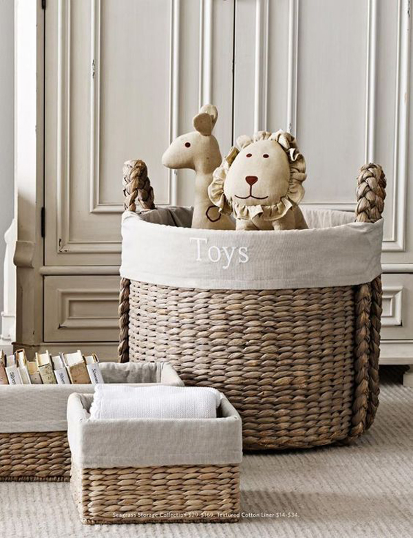 Hand-wicker-to-place-your-toy