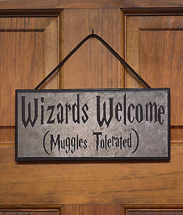 Housewarming-gifts-for-the-Harry-Potter-theme