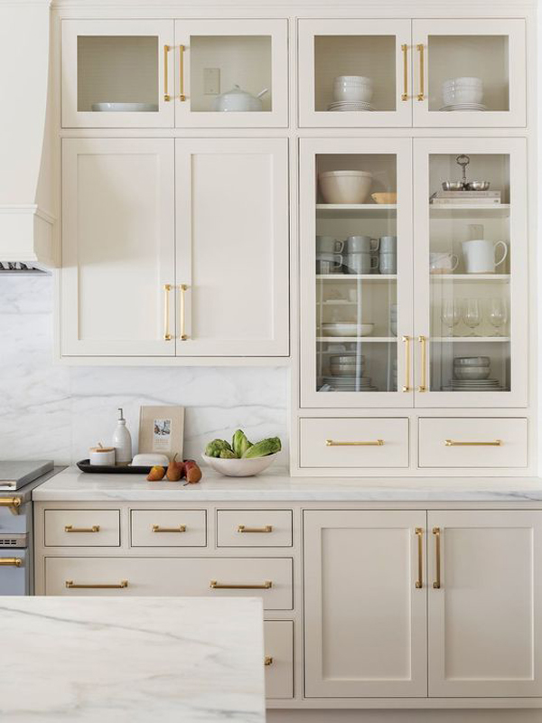 Kitchen-design-with-large-cabinet