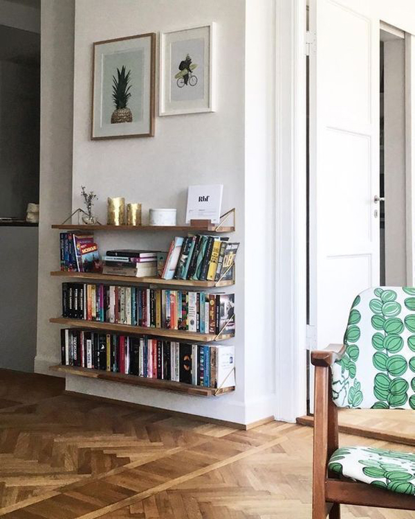 Laying-down-bookcase-in-the-living-room