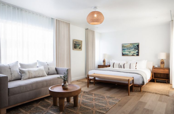 Electric-bowery-in-bedroom